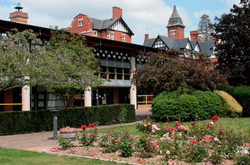 InglesMurcia Escuela de Verano en Dean Close